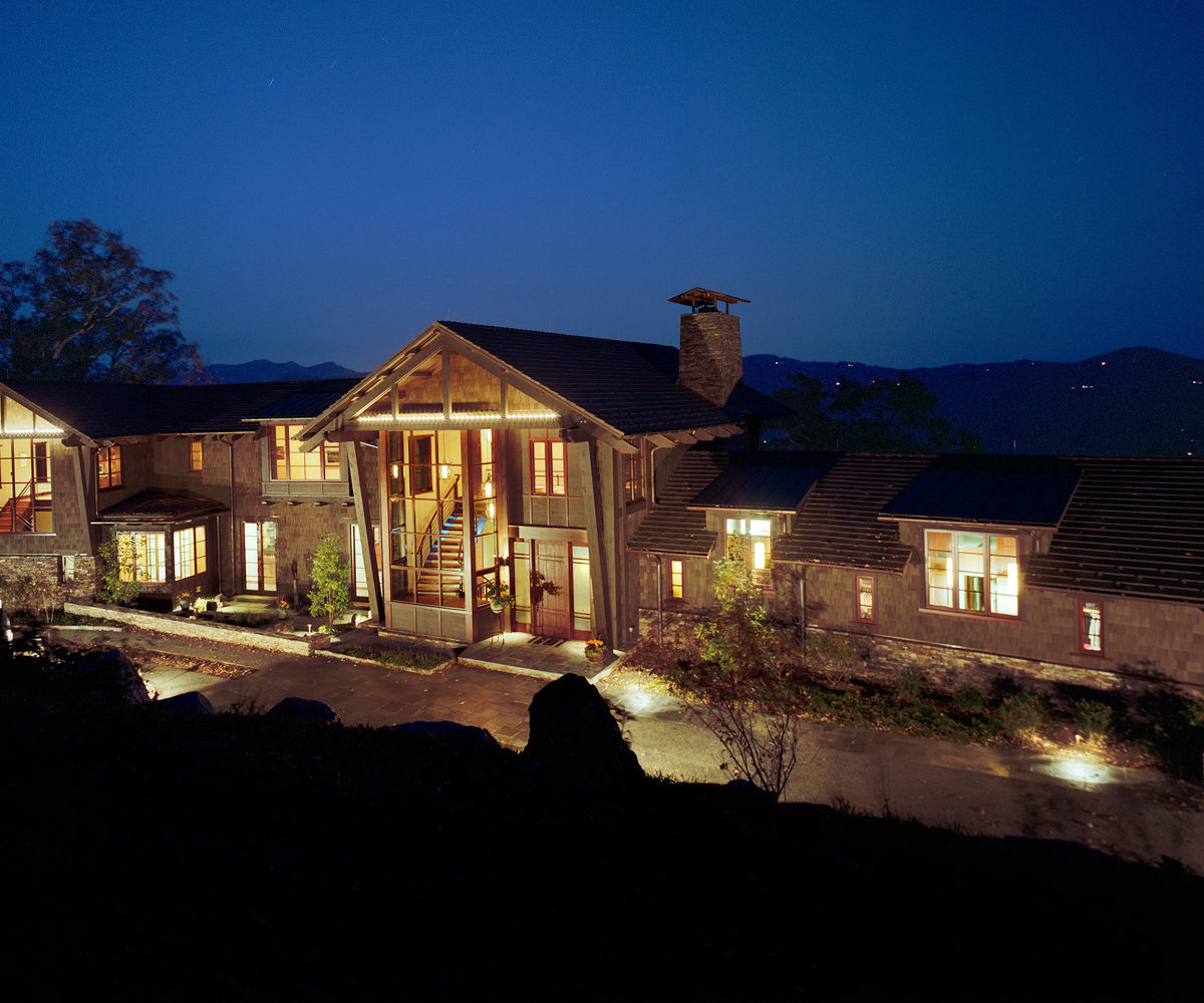 Reynolds Bluff is a luxury home build.